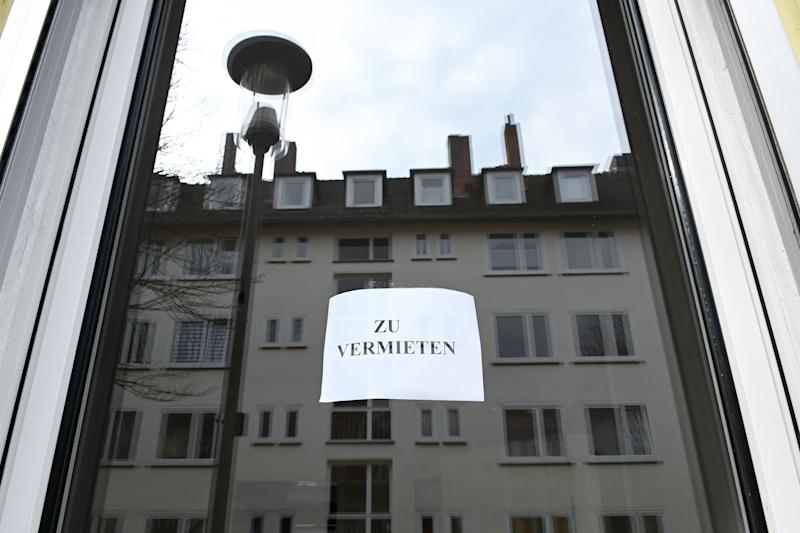 """19 March 2020, Hessen, Kassel: A slip of paper with the inscription """"For rent"""" hangs in the window of an apartment building. Photo: Uwe Zucchi/dpa (Photo by Uwe Zucchi/picture alliance via Getty Images)"""