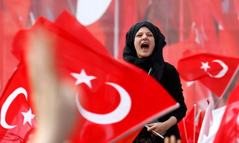 Supporters of Turkish President Erdogan