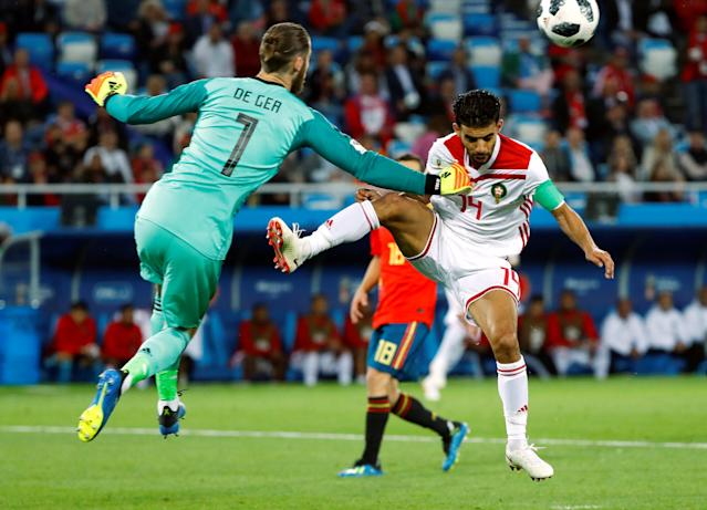Soccer Football - World Cup - Group B - Spain vs Morocco - Kaliningrad Stadium, Kaliningrad, Russia - June 25, 2018 Spain's David de Gea makes a save from Morocco's Mbark Boussoufa REUTERS/Fabrizio Bensch