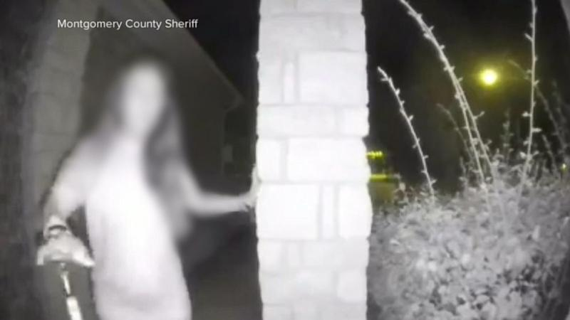 Mystery woman in Texas seen ringing doorbell for help defends alleged assailant