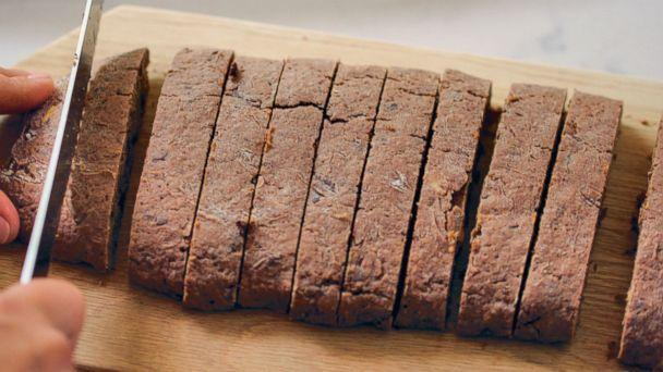 PHOTO: Tiffani Thiessen shares her chocolate biscotti recipe in her cookbook, 'Pull Up a Chair.' (
