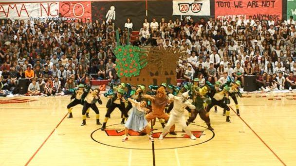 VIDEO: High school's 'Wizard of Oz' dance routine will blow your ruby red slippers off (ABCNews.com)
