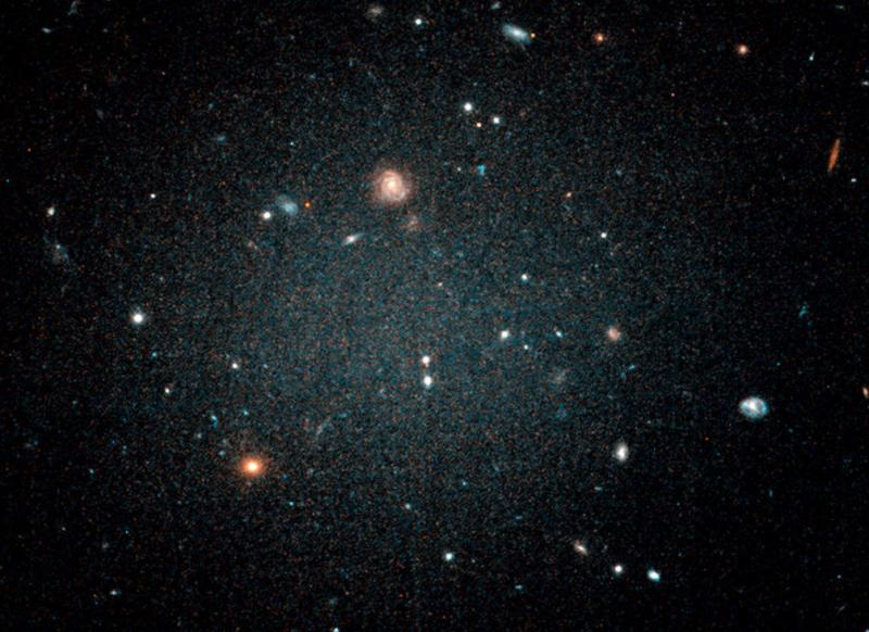 An oddball galaxy found to have no dark matter
