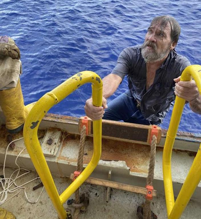Stuart Bee is recovered by the U.S. Coast Guard. (U.S. Coast Guard)