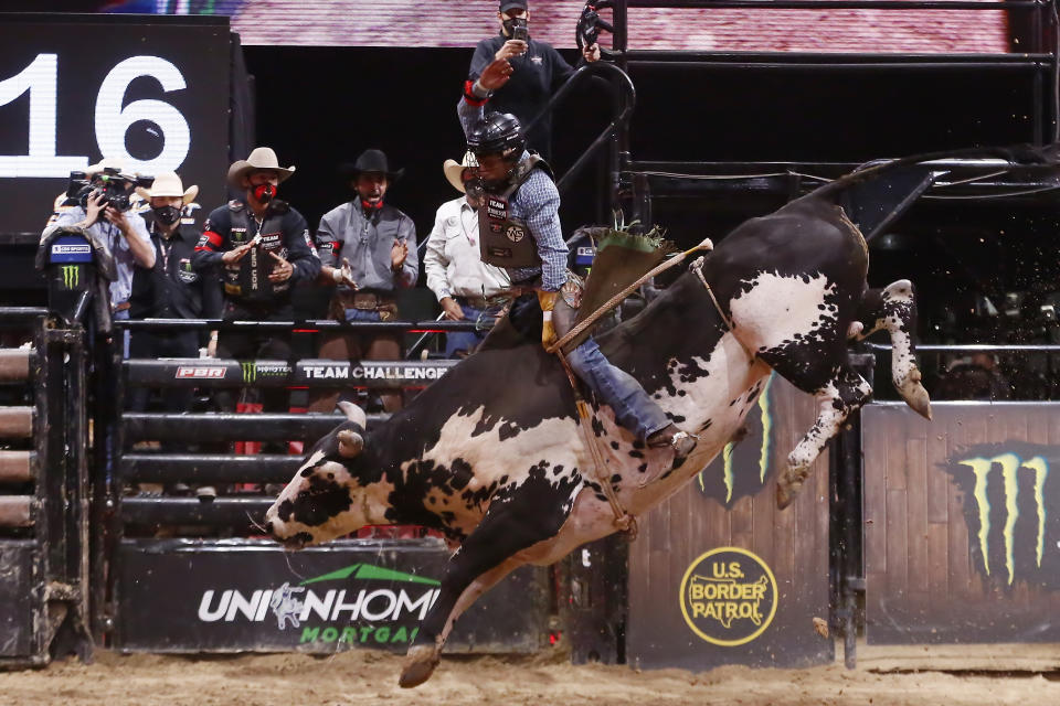 Amadeu Campos Silva rides bull Marquis Metal Works Draggin Up during the Monster Energy Team Challenge, on June 21, 2020, at the South Point Arena, Las Vegas, NV. (Photo by Chris Elise/Icon Sportswire via Getty Images)