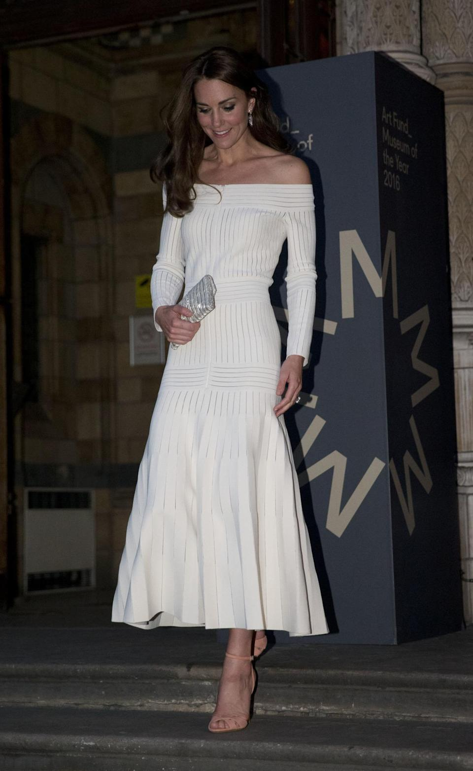 <p>Opting for a dress by Brazilian designer Barbara Casasola, Kate's hosting duties at the Art Fund Museum of the Year 2016 award saw this off shoulder gown become the talk of the night.</p><p><i>[Photo: PA]</i></p>