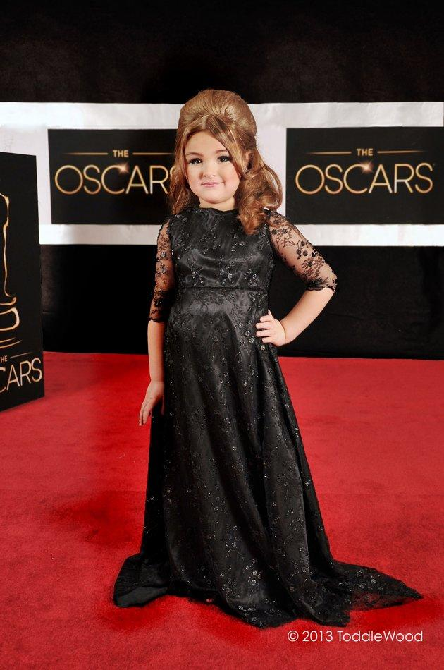 Oscars turned toddler-sized - Adele