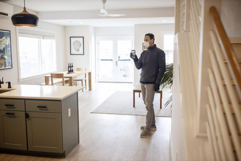 House hunting in a pandemic: Virtual open houses and drive-thru closings