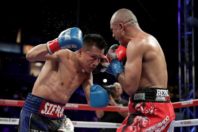 Orlando Salido (R), shown in the 2016 Yahoo Sports Fight of the Year against Francisco Vargas on June 4, 2016, will fight Mickey Roman on Dec. 9 at Mandalay Bay in Las Vegas. (Getty Images)
