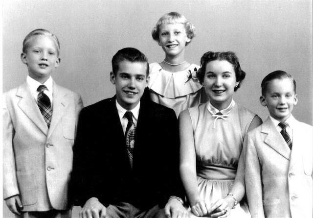 The Trump siblings, from left: Donald, Fred Jr., Elizabeth, Maryanne and Robert. (Photo: Donald Trump via Facebook)