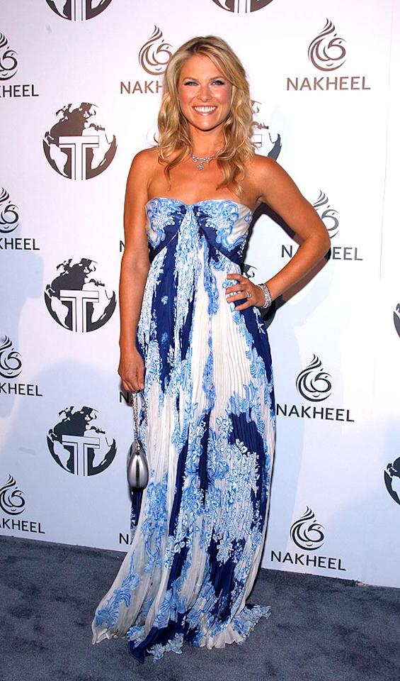 """""""Heroes"""" hottie Ali Larter could light up any room with her trademark smile and that sexy strapless dress. Frazer Harrison/<a href=""""http://www.gettyimages.com/"""" target=""""new"""">GettyImages.com</a> - August 23, 2008"""