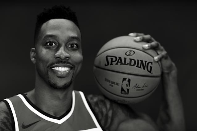 """<p>Cameraman: """"Stop making that face.""""<br>Dwight Howard: """"What face?""""<br>(Getty Images) </p>"""