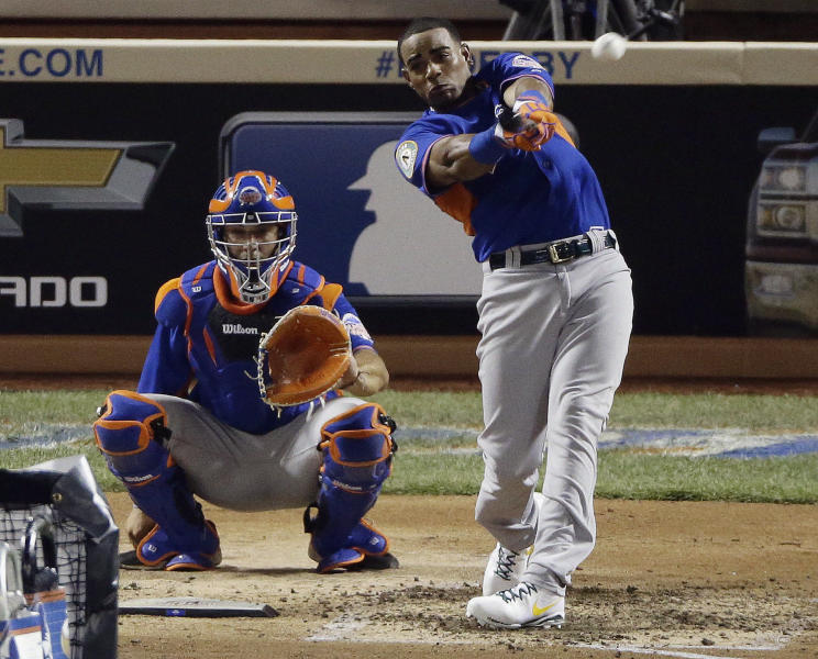 American League's Yoenis Cespedes of the Oakland Athletics hits during the second round of the MLB All-Star baseball Home Run Derby, Monday, July 15, 2013, in New York. (AP Photo/Frank Franklin II)