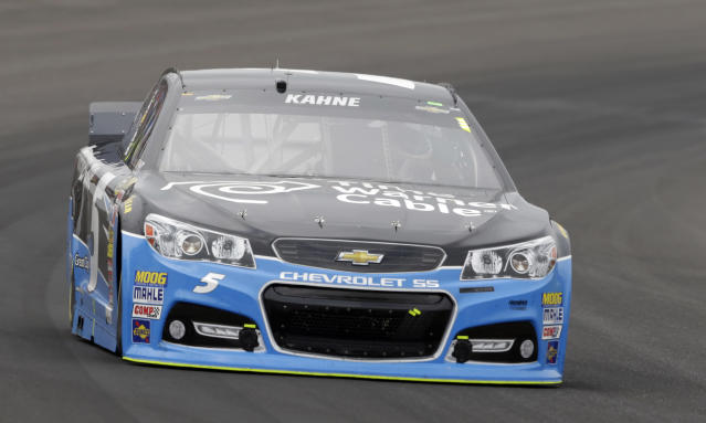 Kasey Kahne drives through Turn 1 during the Brickyard 400 auto race at Indianapolis Motor Speedway in Indianapolis, Sunday, July 27, 2014. (AP Photo/Tom Strattman)