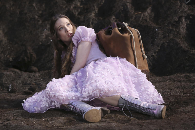 """This TV publicity image released by ABC shows Sophie Lowe in a scene from """"Once Upon a Time in Wonderland,"""" a new spin off series from """"Once Upon a Time,"""" premiering as part of the fall 2013 line-up on ABC. (AP Photo/ABC, Jack Rowand)"""