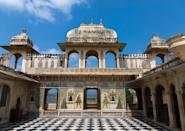 The unique aspect of this conglomeration is that the architectural design is distinctly homogeneous. The palace complex has been built entirely in granite and marble.