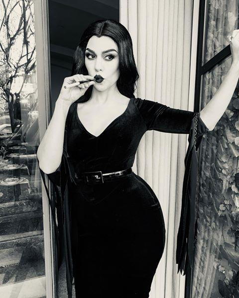 """<p>Just thinking about a long-sleeve velvet floor-length gown makes me sweat. But if it's freezing outside on Halloween night, you'll be glad you went with this Vampira costume.</p><p><a href=""""https://www.instagram.com/p/B4T3vZLlIVt/?utm_source=ig_embed&utm_campaign=loading"""" rel=""""nofollow noopener"""" target=""""_blank"""" data-ylk=""""slk:See the original post on Instagram"""" class=""""link rapid-noclick-resp"""">See the original post on Instagram</a></p>"""