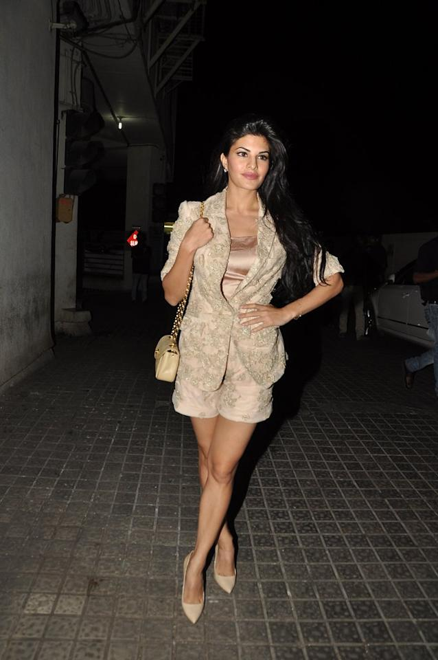 Sri Lankan hottie Jacqueline Fernandez goes all nude… well the colour, of course.