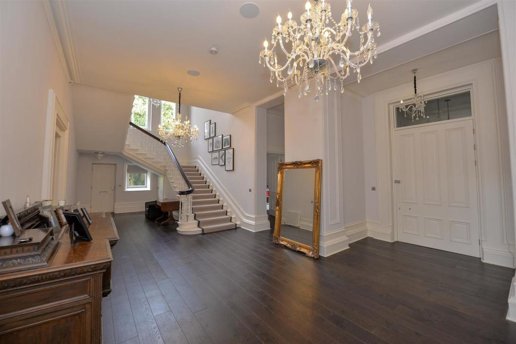 The property, currently listed for £995,000, has been completely renovated. (Rightmove)