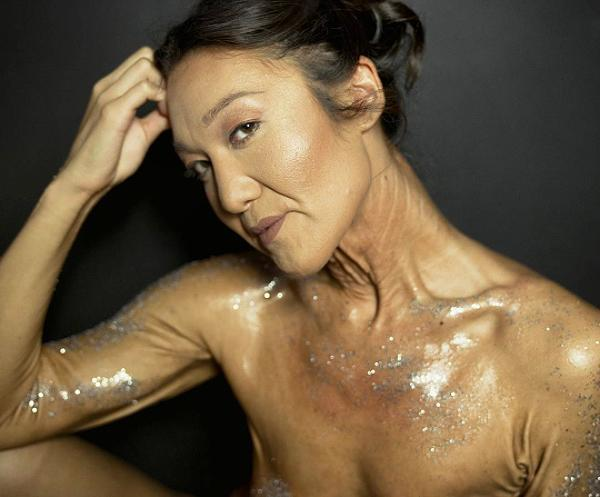 <p>Photo from the glitter shoot with @andreabaue. </p>
