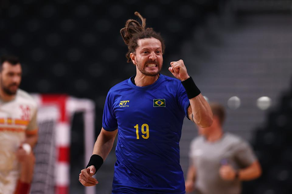 <p>TOKYO, JAPAN - JULY 28: Fabio Chiuffa of Team Brazil celebrates after scoring a goal during the Men's Preliminary Round Group A handball match between Brazil and Spain on day five of the Tokyo 2020 Olympic Games at Yoyogi National Stadium on July 28, 2021 in Tokyo, Japan. (Photo by Dean Mouhtaropoulos/Getty Images)</p>