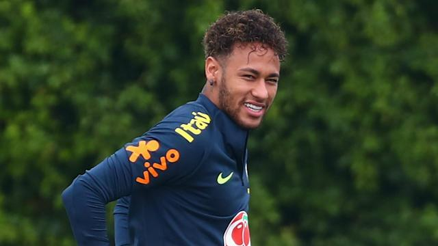 Luka Modric seems to be doing his best to tempt Neymar to join him at Real Madrid in the coming weeks.