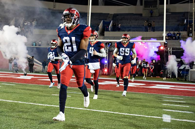 MEMPHIS, TN - FEBRUARY 16: Terrell Bonds #21 of the Memphis Express runs onto the field before a game against the Arizona Hotshots at the Liberty Bowl Memorial Stadium on February 16, 2019 in Memphis, Tennessee. (Photo by Wesley Hitt/AAF/Getty Images)