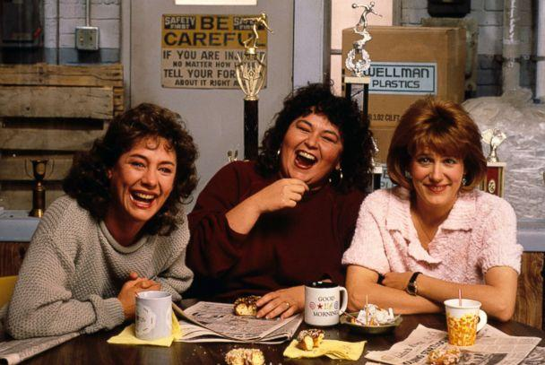 PHOTO:In season one of 'Roseanne' Laurie Metcalf as Jackie, Roseanne Barr as Roseanne and Natalie West as Crystal, Nov. 18, 1988. (ABC via Getty Images)
