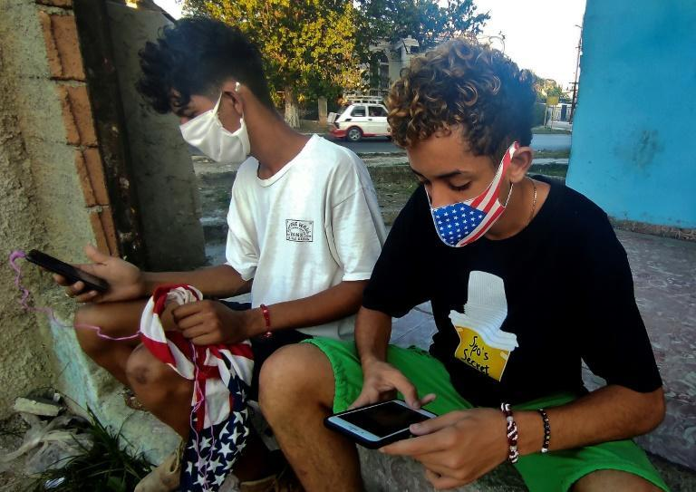 Since 2018, young Cubans have been able to connect to the internet through 3G on their phones