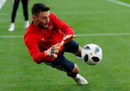 Soccer Football - World Cup - France Training - Ekaterinburg Arena, Yekaterinburg, Russia - June 20, 2018 France's Hugo Lloris during training REUTERS/Andrew Couldridge