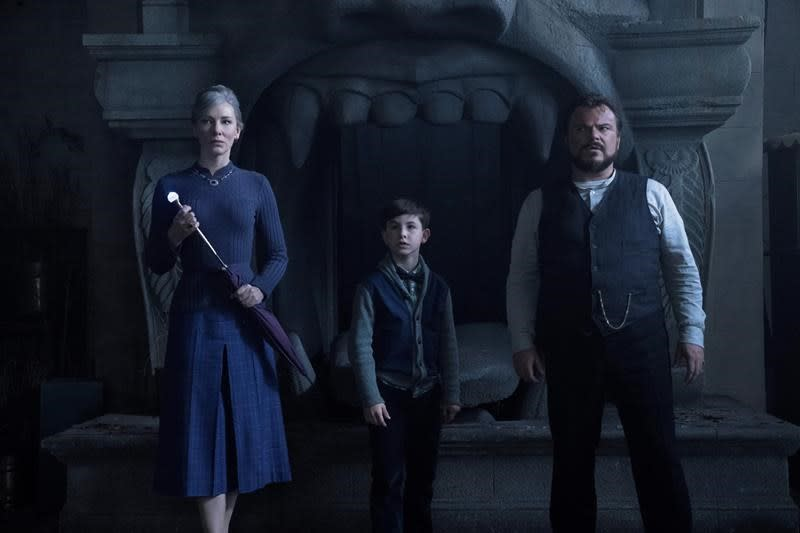 Box office top 20: 'The House With a Clock' is no. 1