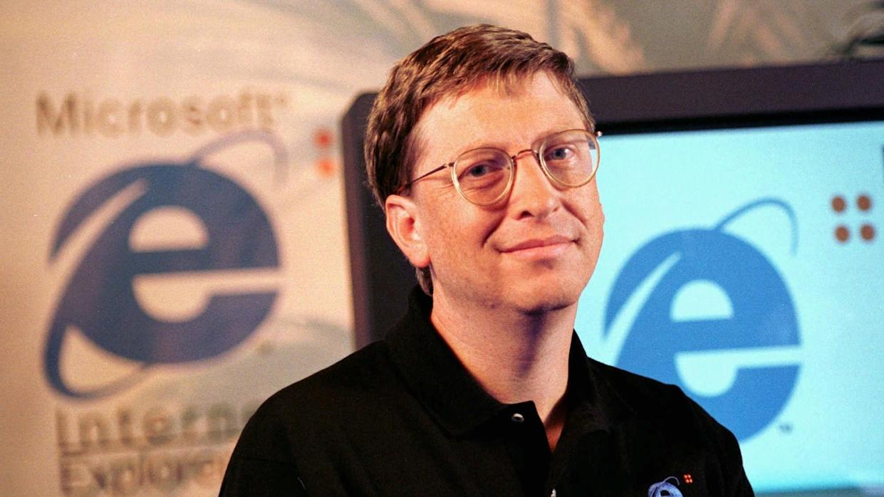 Mandatory Credit: Photo by Dwayne Newton/AP/Shutterstock (6497498a)BILL GATES In the largest contempt fine ever sought, the Justice Department asked a federal court, to impose an unprecedented $1 million-a-day fine on software giant Microsoft Corp.