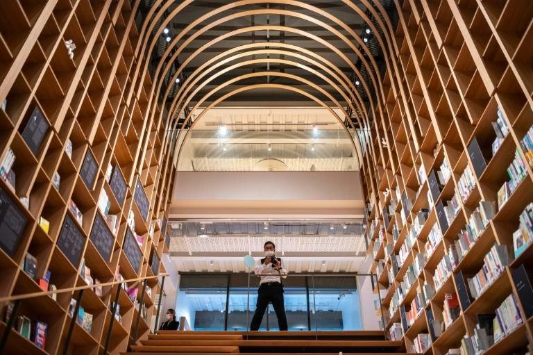 The Haruki Murakami Library opens at the author's old university next week and features a replica of his minimalist workspace (AFP/Philip FONG)