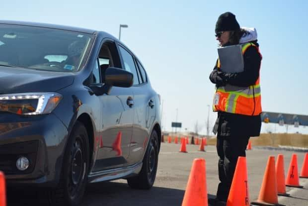 Public Safety Minister Bloyce Thompson said more than 40 staff in the Department of Public Safety review the applications to travel to P.E.I. (Julien Lecacheur/Radio-Canada - image credit)