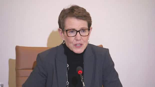 Shirley MacLean, the New Brunswick commissioner of official languages, says that in order to have a full discussion of the Official Languages Act, the hearings should happen in public.