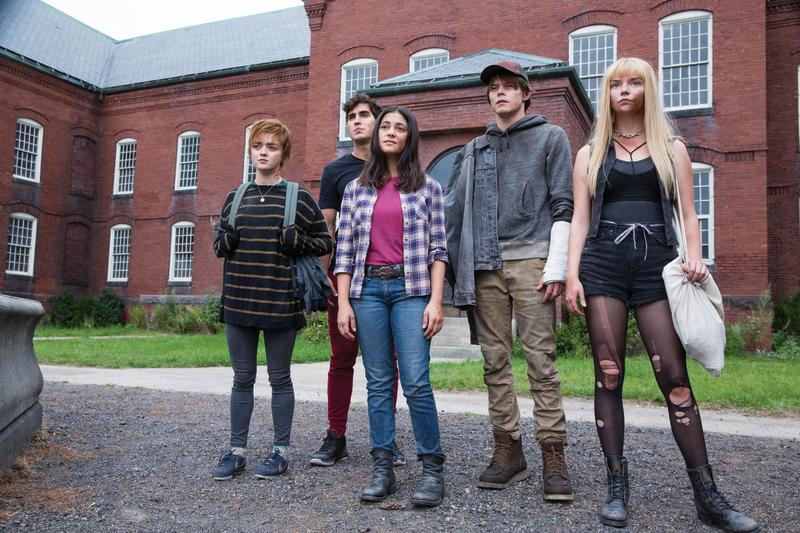 "Maisie Williams, Henry Zaga, Blu Hunt, Charlie Heaton and Anya Taylor-Joy in ""The New Mutants"". (Twentieth Century Studios)"
