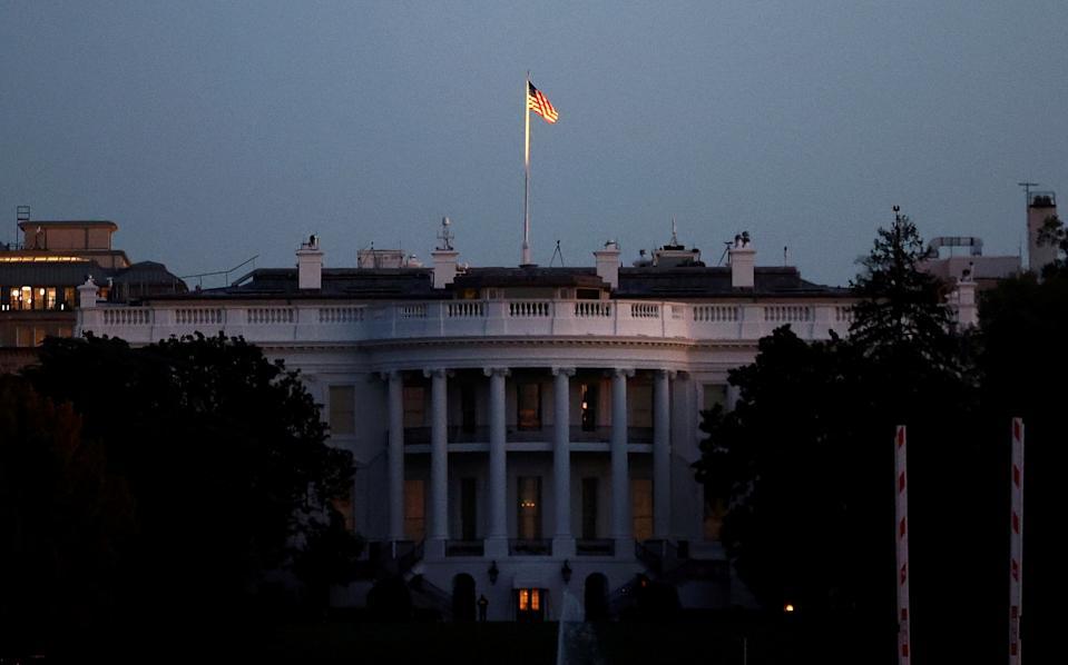 The White House is seen at sunrise during the election day, in Washington, U.S., November 3, 2020. REUTERS/Hannah McKay     TPX IMAGES OF THE DAY