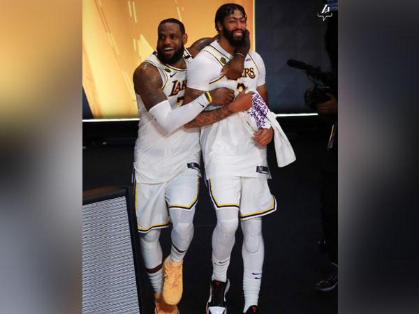 LeBron James and Anthony Davis (Photo/ Los Angeles Lakers Twitter)