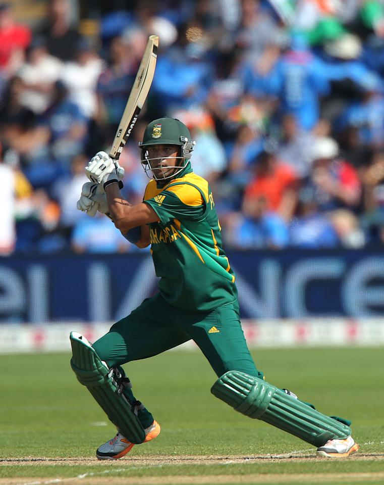 South Africa batsman Robin Peterson scores against India on opening day of the ICC Champions Trophy. The SWALEC Stadium, Cardiff.