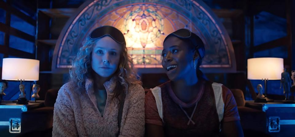 A bored housewife and her BFF concoct a coupon clipping club–based plan that results in scamming corporations out of millions of dollars — all while aloss-prevention officer and US postal inspector are hot on their trail.Starring:Kristen Bell,Kirby Howell-Baptiste,Paul Walter Hauser,Bebe Rexha, andVince VaughnWhen it premiered:Sept.10 in theatersWatch the trailerhere!