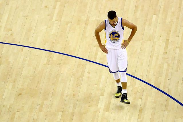 "<a class=""link rapid-noclick-resp"" href=""/nba/players/4612/"" data-ylk=""slk:Stephen Curry"">Stephen Curry</a> reacts to a play in Game 7 of the 2016 NBA Finals. (Ezra Shaw/Getty Images)"