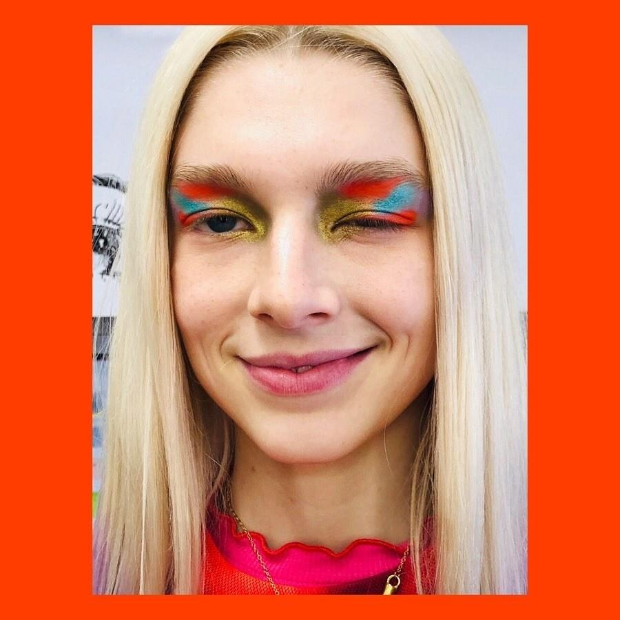 """Dreamy, technicolor makeup has been Jules' calling card all season: from <a href=""""https://www.instagram.com/p/Bzb0FDRJZXe/"""">minimalist clouds</a> to <a href=""""https://www.instagram.com/p/BzoWmuwpQTH/"""">neon liner</a> she is the most experimental on the show, but this painterly approach is some of Davy's finest work."""