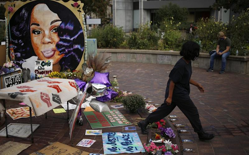 A memorial for Breonna Taylor in Louisville, Kentucky - Luke Sharrett /Bloomberg