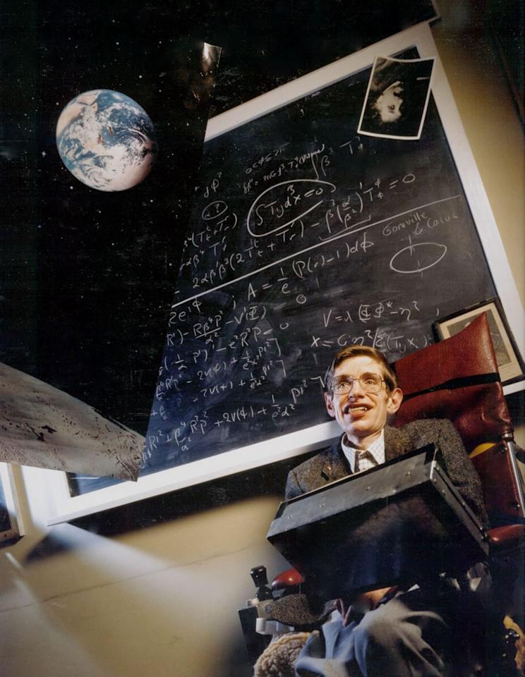 """a biography of stephen hawking the english mathematician and physicist (bloomberg) -- stephen hawking, the british physicist and  to a mass audience  with the best-selling book """"a brief history of time,"""" has died  for 30 years,  hawking was cambridge's lucasian professor of mathematics,."""