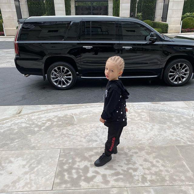 """<p>Drake is one proud papi! He <a href=""""https://www.instagram.com/p/CE6p1-GFLe-/?utm_source=ig_embed"""">posted a photo</a> of his son, Adonis, to celebrate the two-year-old's big milestone, writing """"First Day Of School... The World Is Yours kid 🌍""""</p>"""