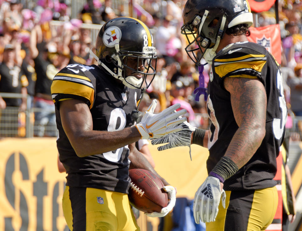 Steelers wide receiver Antonio Brown (84) and running back James Conner look to push Pittsburgh over the .500 mark this season. (AP)