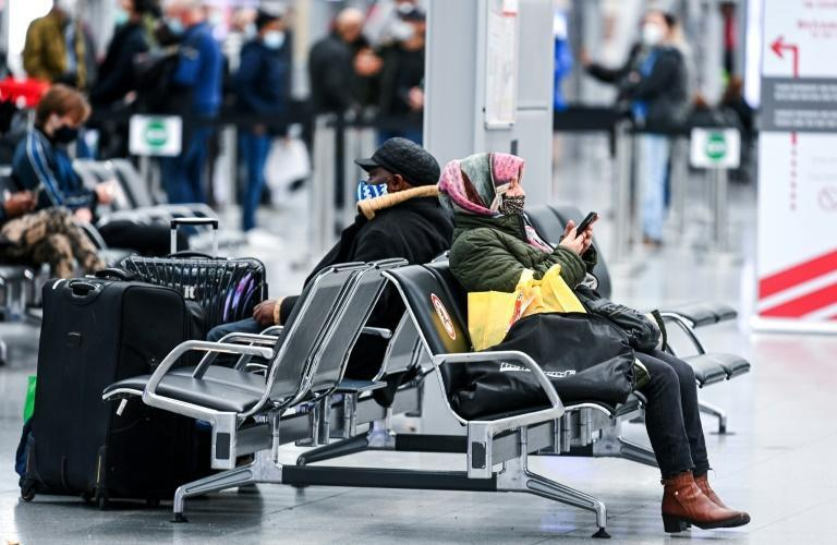 A German government source said that restrictions on air travel from Britain could be adopted by the entire 27-member EU