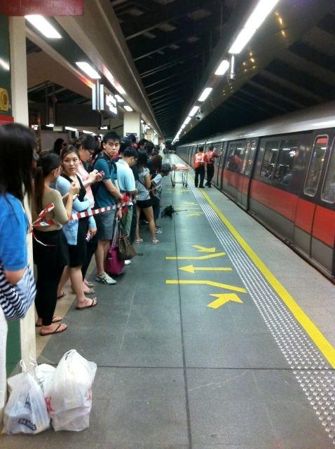 A man has been arrested for attempted suicide at Sembawang MRT Station on Friday night. (Dynna Syafiqa photo)