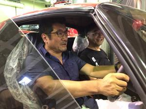 Ken Okuyama and CEO Simon Ming Fat WU in Ferrari F50