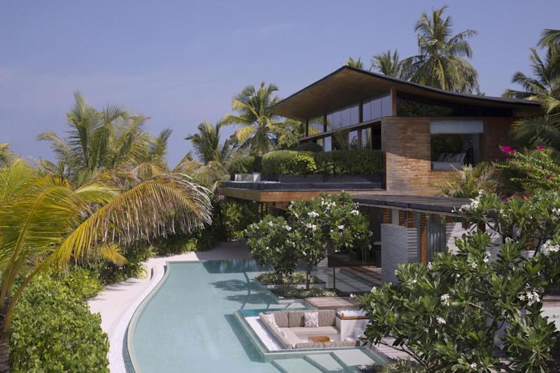 The pool and Palm Residence